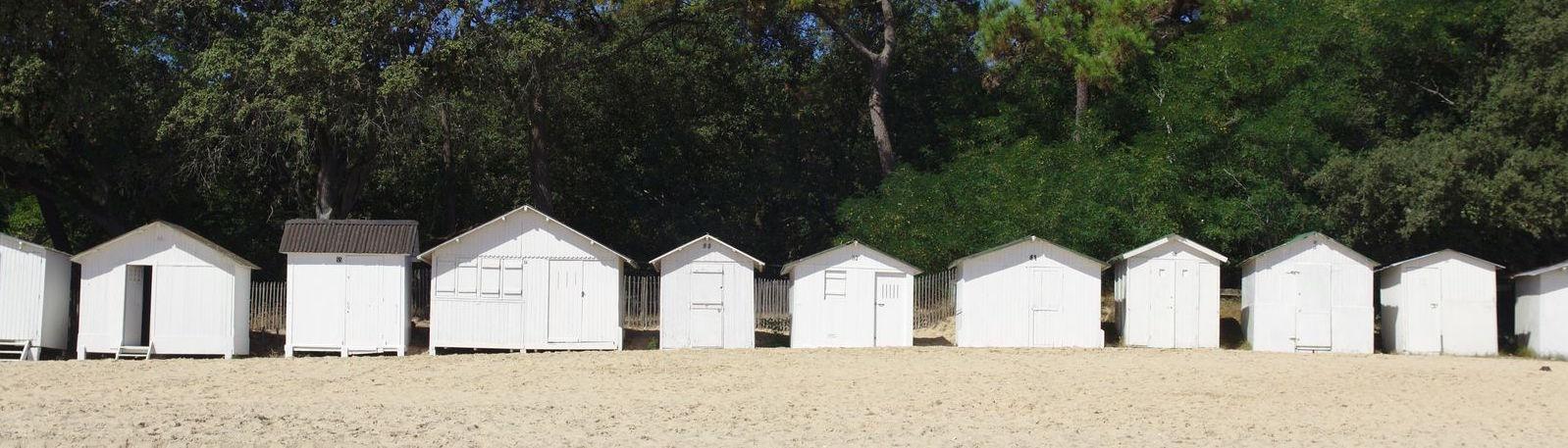 cabanes de plage sur l'île de noirmoutier