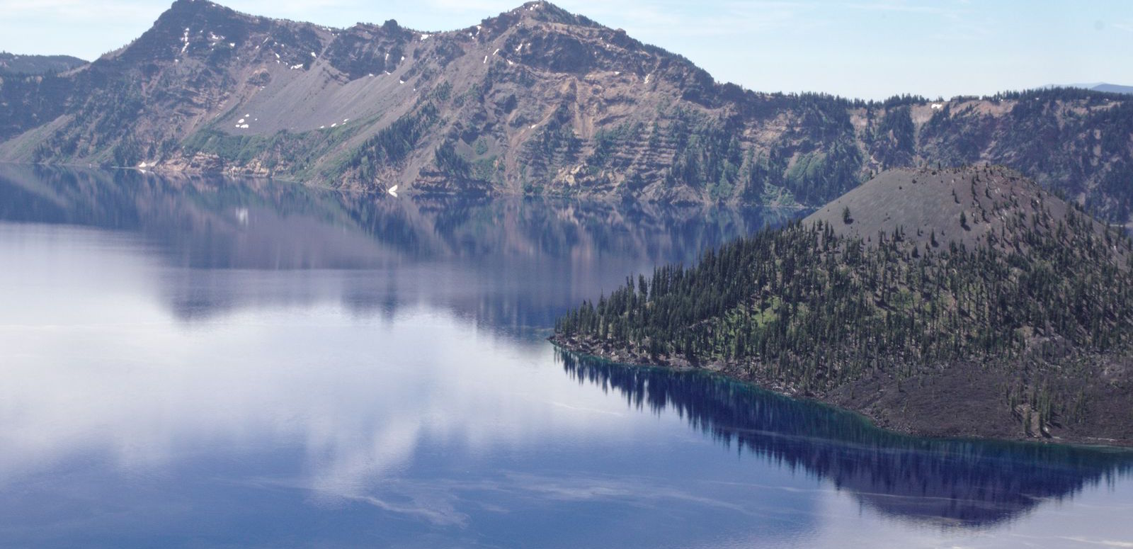 le parc national de Crater Lake dans l'Oregon. Ca c'est Wizard Island