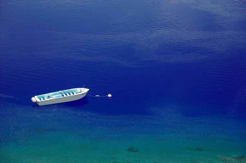 Un bateau sur le lac